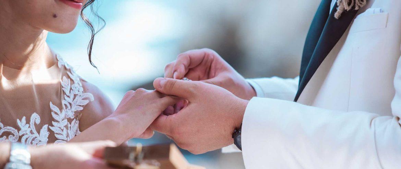 размяна на халки, сватба морето